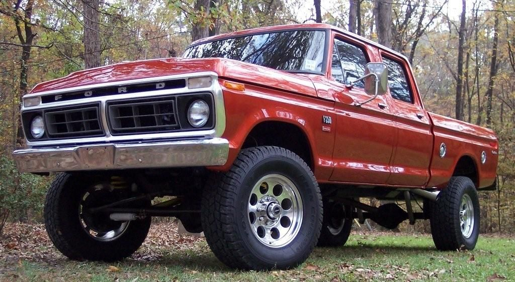 Old Fords Are The Best Love It Classic Ford Trucks Ford Crew