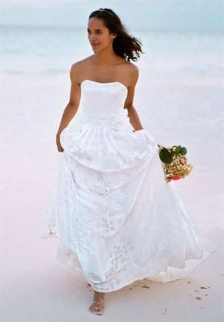 45 Beautiful And Relaxed Beach Wedding Dresses | Weddingomania ...