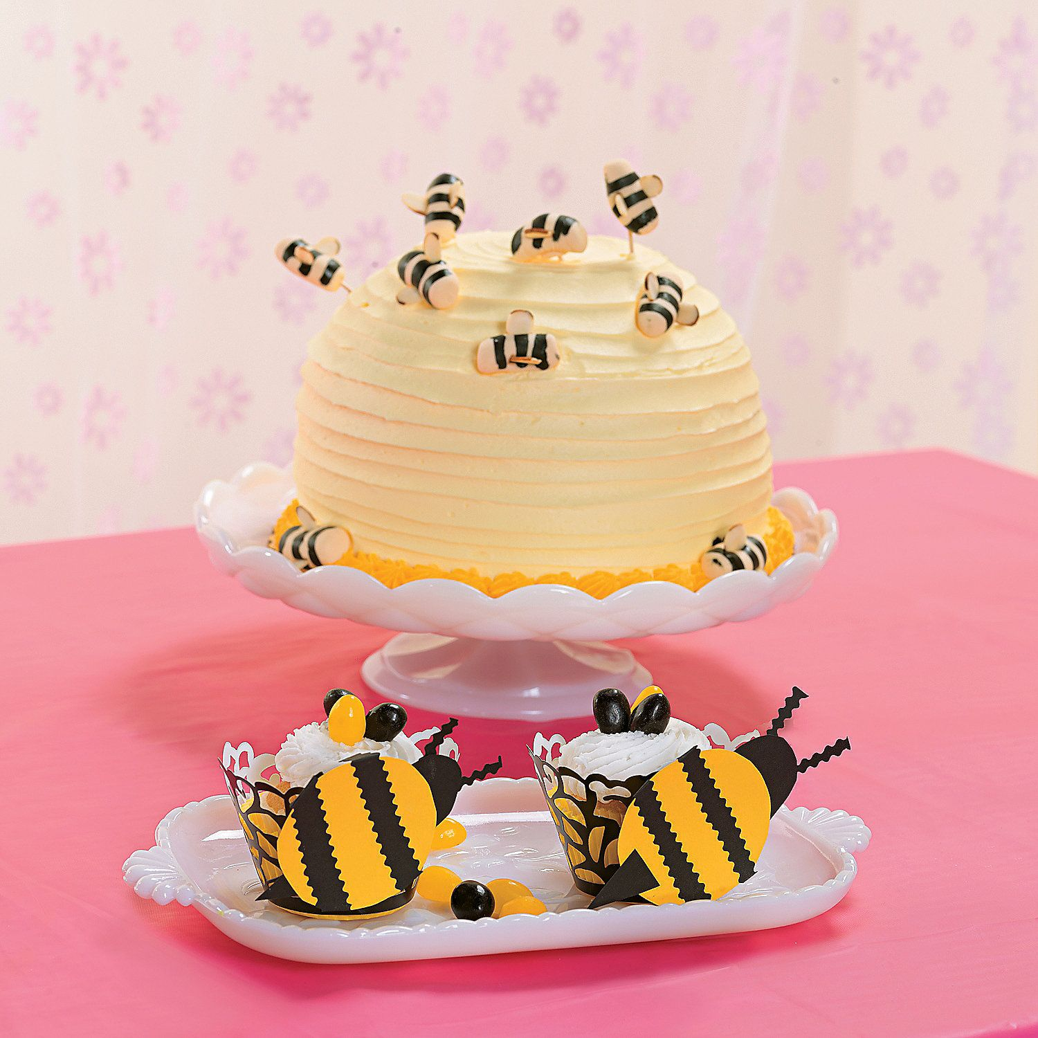 Make with sea animals rather than bees!Bumblebee+Cupcake+Holders+-+OrientalTrading.com