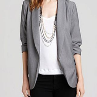Great fall young 20 something professional work outfit.