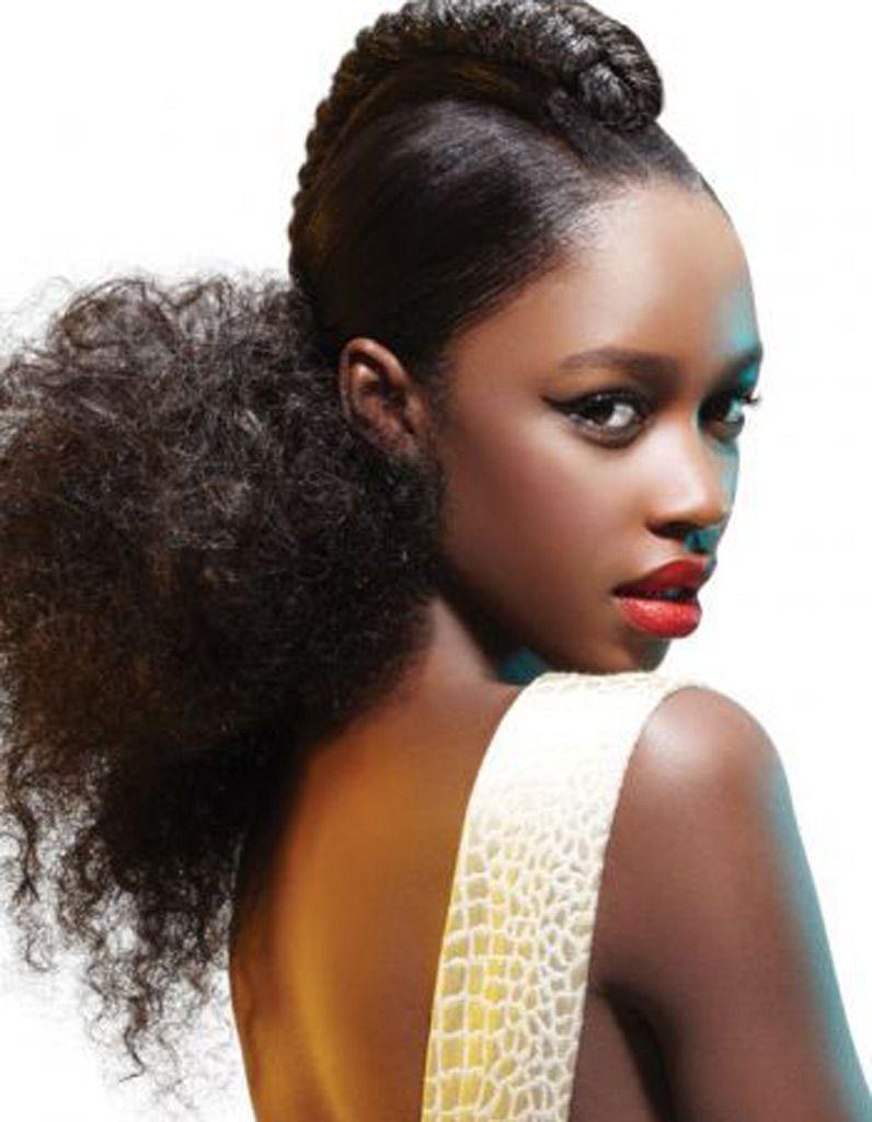 Coiffure Cheveux Afro Frises Hiver 2015 Coiffures Afro Les Filles Stylees Donnent Le Ton Elle Coiffure Afro Cheveux Afro Coiffure Cheveux Afro