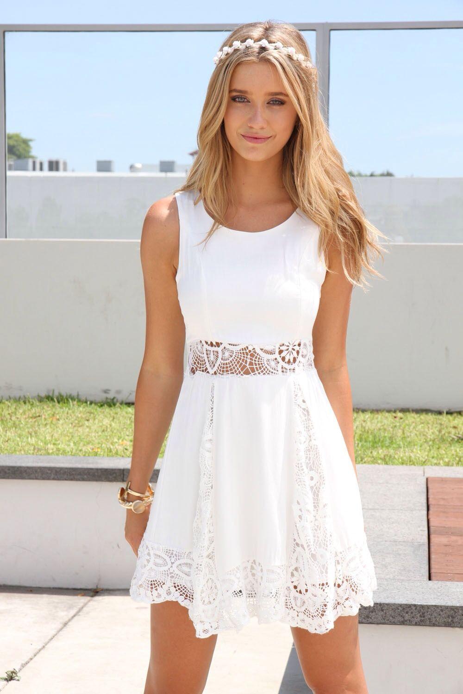 Vestido blanco corto casual de encaje