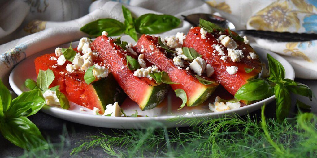#TriedItLoveIt #grilledwatermelon #hotsummerday #onthegrill #summerfruit #eatmorewatermelon #Happy4th http://bit.ly/bbgrwaterpic.twitter.com/b53VGRIG5J