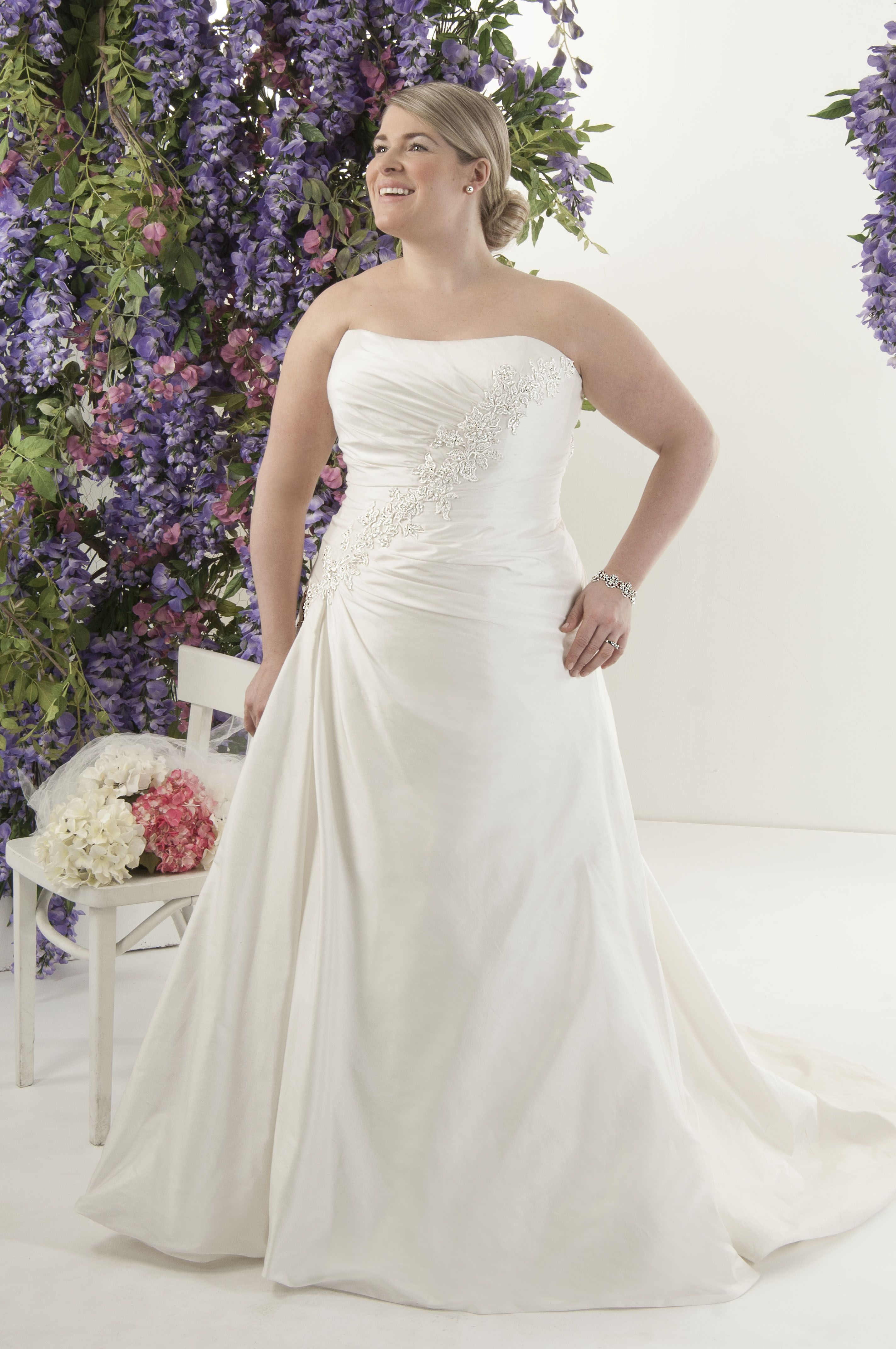 Fantastisch Belle Arthochzeitskleid Galerie - Hochzeitskleid Für ...