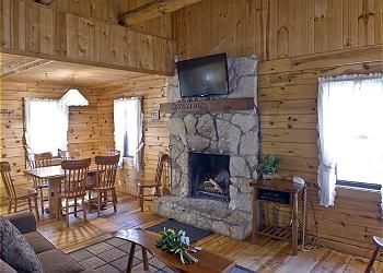 Cabin Sycamore Sleeps 10 Old Man S Cave Chalets Romantic