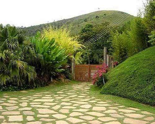 Decorar con piedras los jardines caseros casa for Jardines pequenos verdes