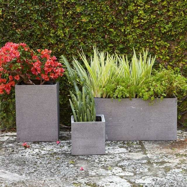 gartenpflanzer blumenk bel aus beton verschiedene gr en gartengestaltung pinterest. Black Bedroom Furniture Sets. Home Design Ideas