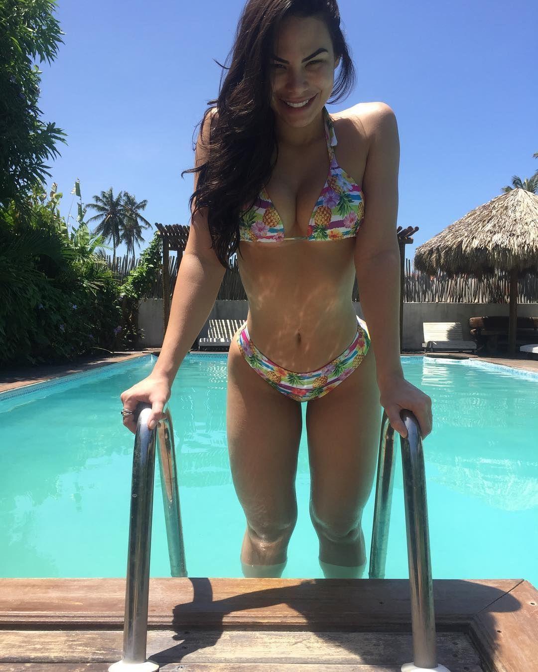 Thong Bikini Butt Vids