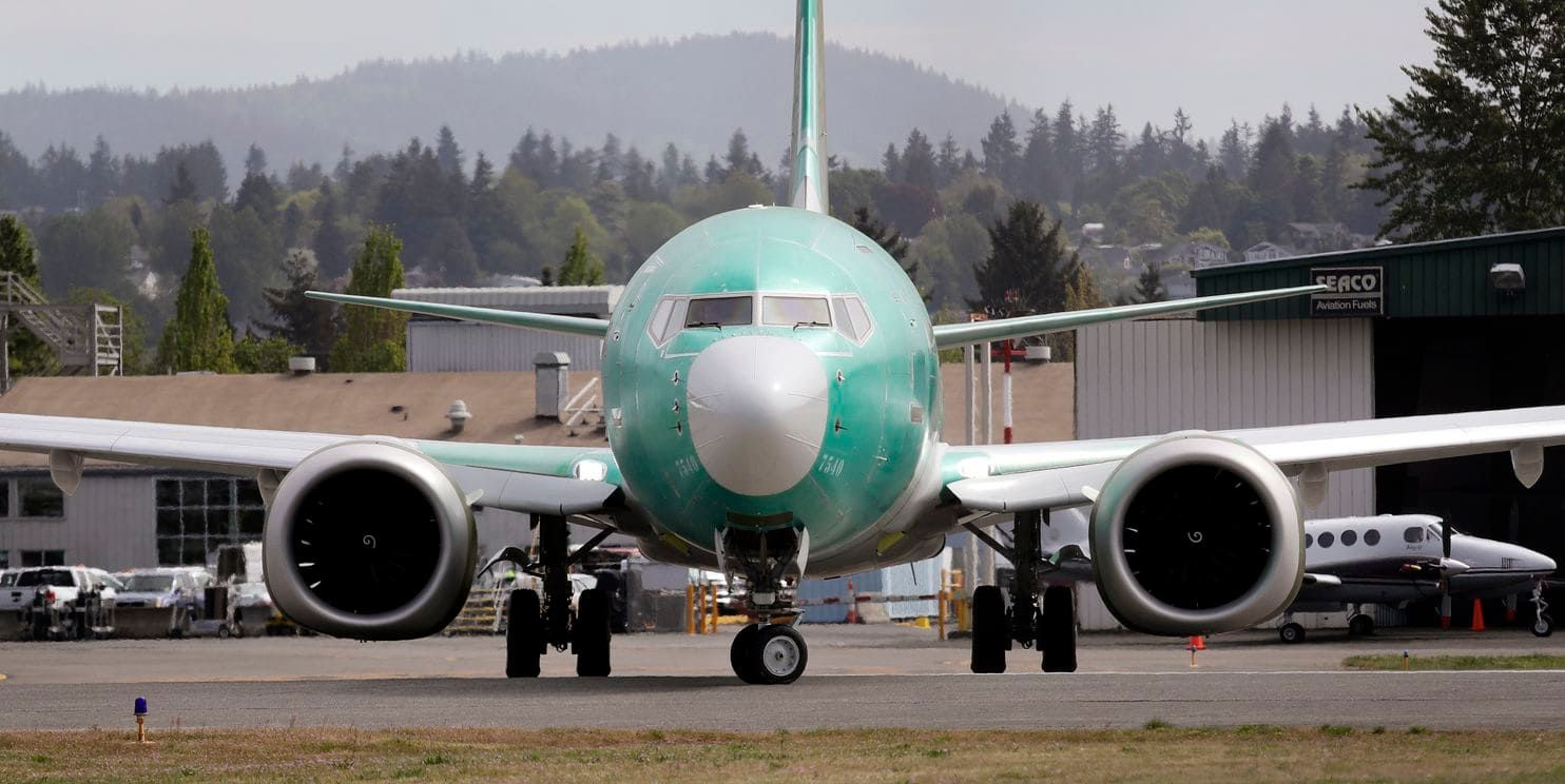 FAA chief says pilot decisions contributed to Boeing 737