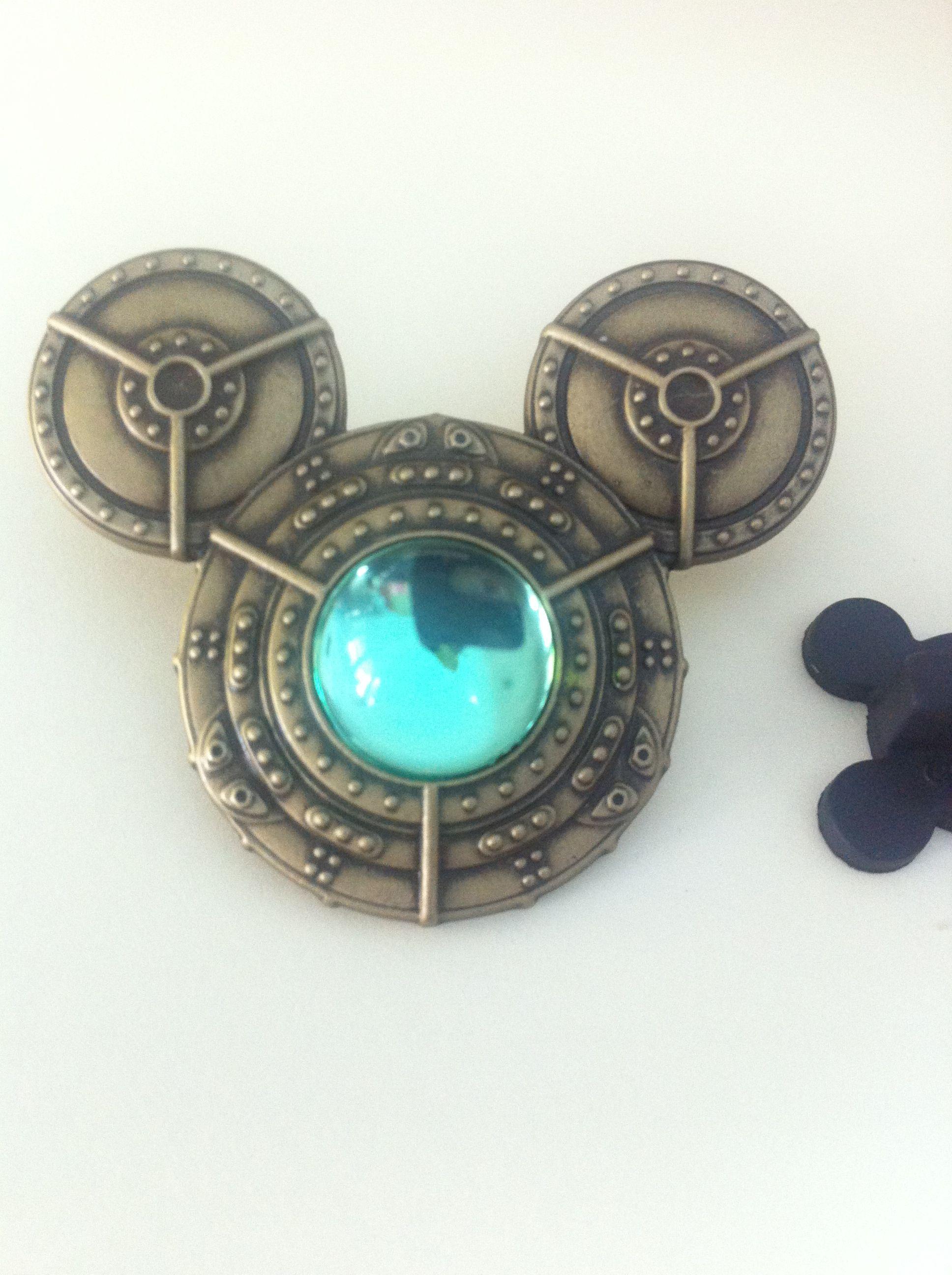 Pin by Brian Chavez on Disney trading pins   Disneyland ...