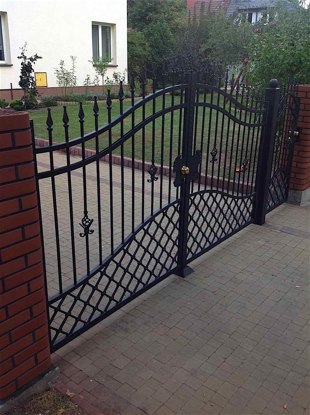 Iron Gates Celeb Iron Gates House Gate Design Iron Gate