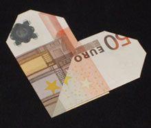 herz aus geldscheinen falten mit einfacher anleitung diy pinterest origami einfach. Black Bedroom Furniture Sets. Home Design Ideas