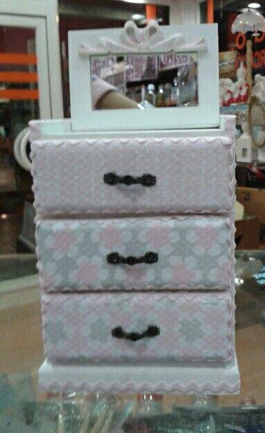 Mini mueble de madera pintado con pintura acr lica - Pintura acrilica para muebles ...