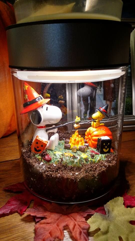 My Halloween Scentsy I Used Potting Soil For The Dirt Snoopy Woodstock Are From Hallmark