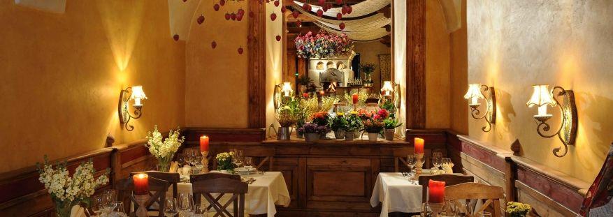 Marmolada Kuchnia Polska Wloska Restauracja W Centrum Krakowa Table Settings Table Settings