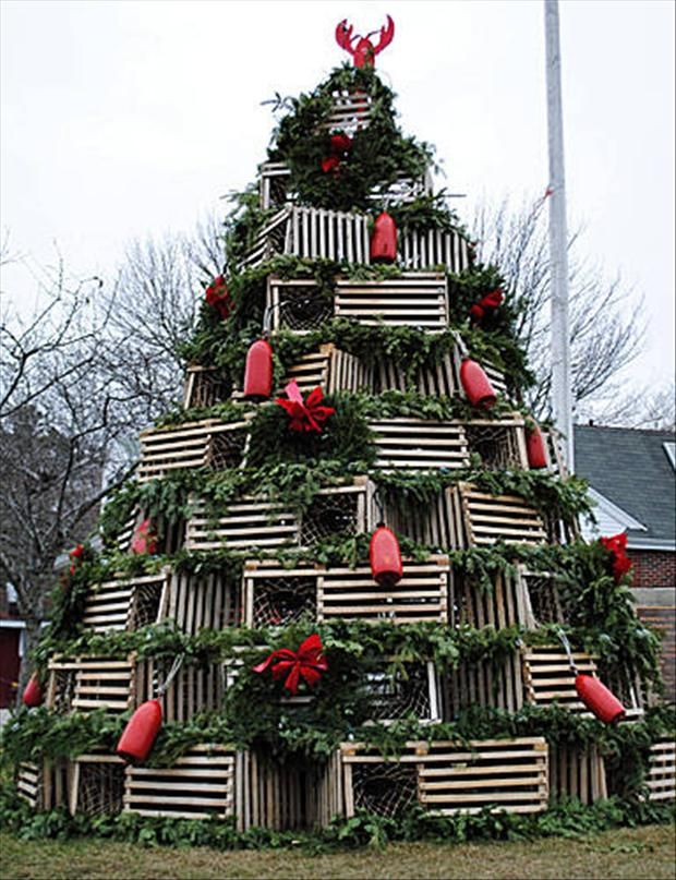 Merveilleux Unusual Christmas Trees  Lobster Trap Tree