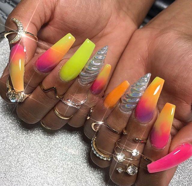 Pin de SUMINBOUTNAE🍑 en N A I L S⃣   Pinterest   Diseños de uñas