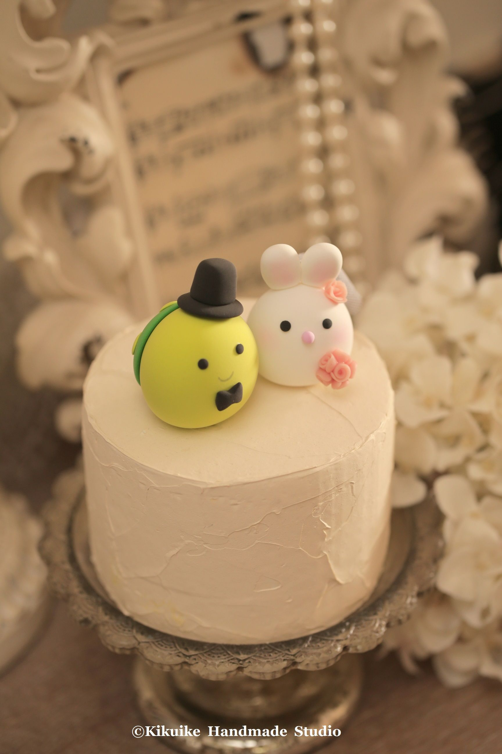 Bunny, Rabbit and Pig wedding cake topper | Bunny rabbit, Wedding ...