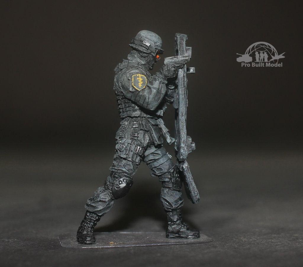 Russian+Spetsnaz+FSB+Assault+1:35+Pro+Built+Model+No.1