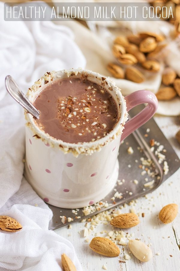 Healthy Almond Milk Hot Cocoa. Vegan & dairy-free recipe. Ready in 5 minutes and only 4 ingredients to enjoy this cup of delicious hot drink. via @happyfoodstube hot drink Healthy Almond Milk Hot Cocoa (Vegan, Dairy-Free)