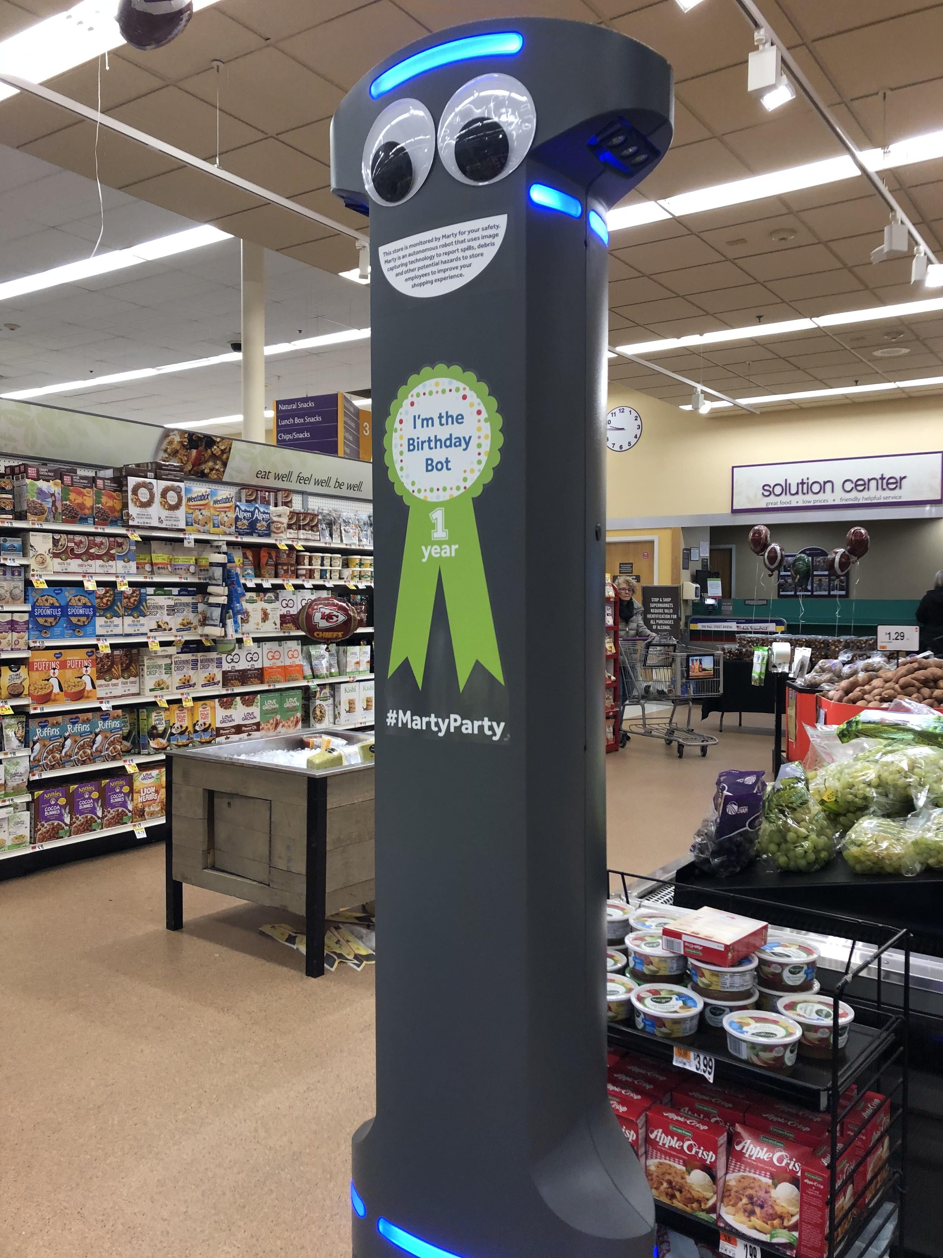 My Supermarket Has Robots Today Is His Birthday Https Ift Tt 2rodkva Supermarket Today Birthday