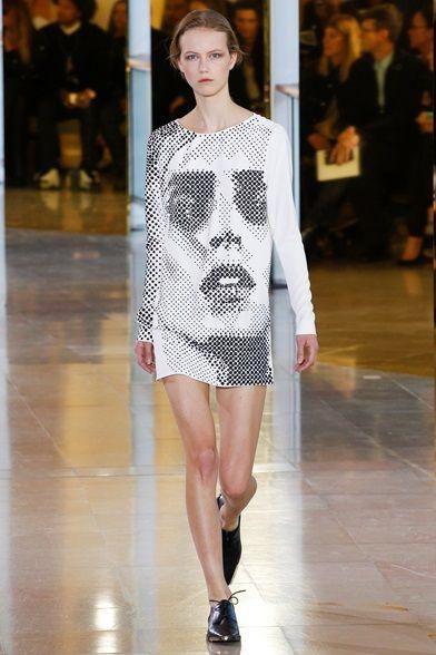 Sfilata Anthony Vaccarello Parigi - Collezioni Primavera Estate 2016 - Vogue