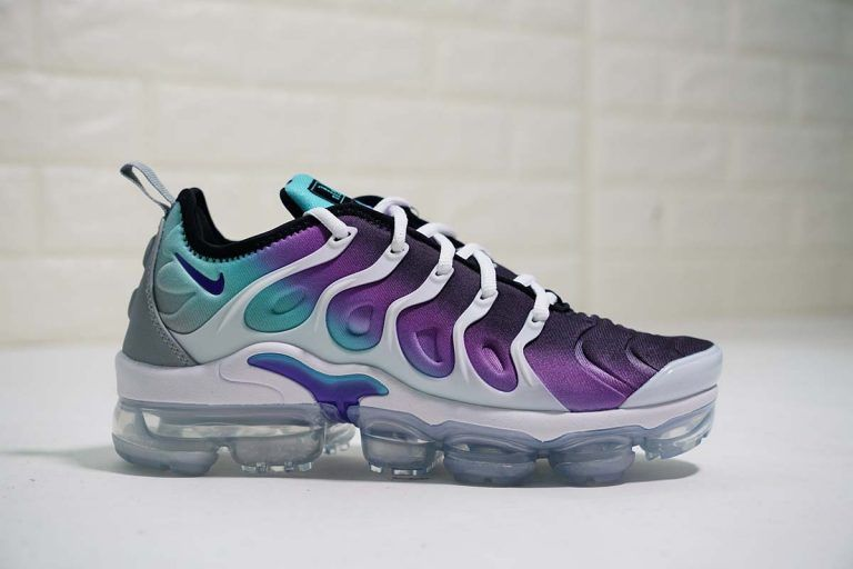 huge discount f8274 0290c Womens Nike Air VaporMax Plus Grape in 2019 | Shoes | Nike ...
