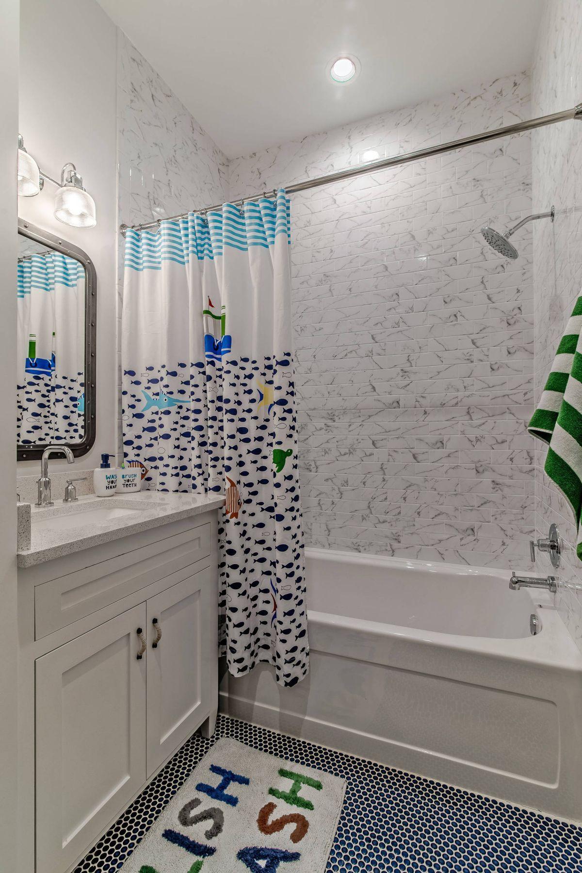 12 Tipps Fur Die Besten Kinder Badezimmer Dekor In 2020 Kinder Badezimmer Badezimmer Dekor Kind Badezimmer