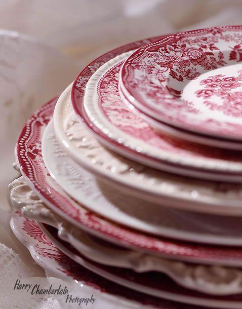 red transferware porzellan keramik pinterest geschirr porzellan und sch nes geschirr. Black Bedroom Furniture Sets. Home Design Ideas