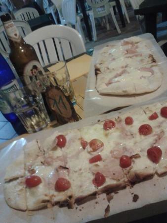 La pizza Etrusca e La Provolona!