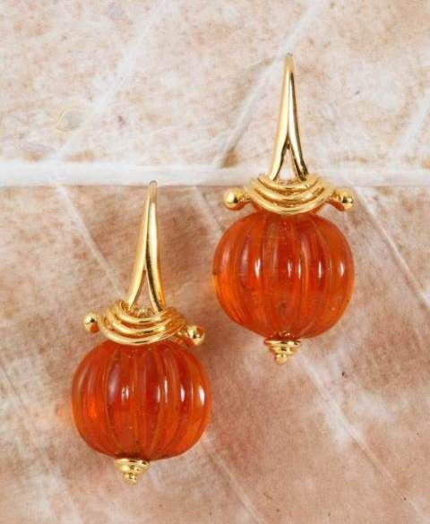 Gehna offer to showcasing Contemporary showcase of carved amber beads handcrafted in 18k gold online in Chennai.