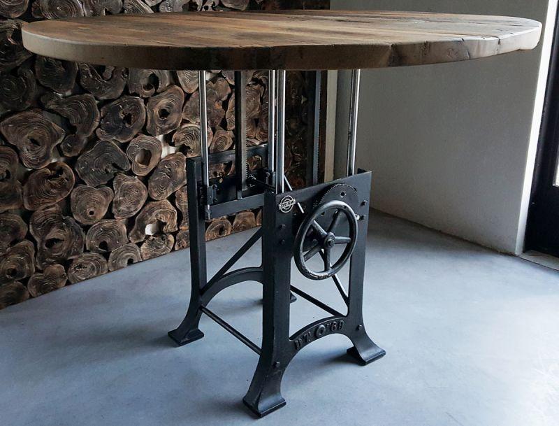 Ronde in hoogte verstelbare tafel industrieel oud eikenhout