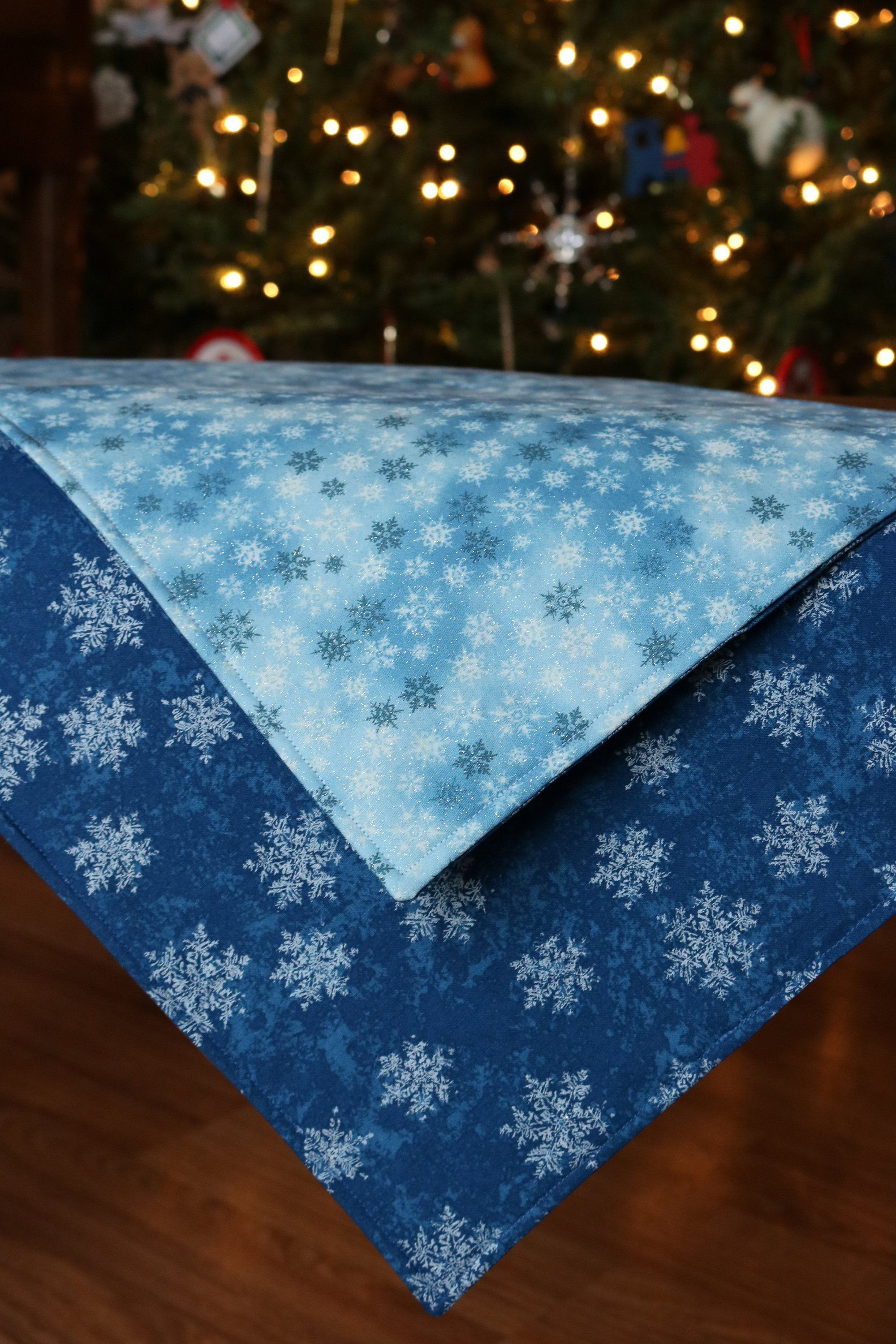 Christmas Placemats Blue And White Reversible Snowflake Etsy Christmas Placemats Blue And White Placemats