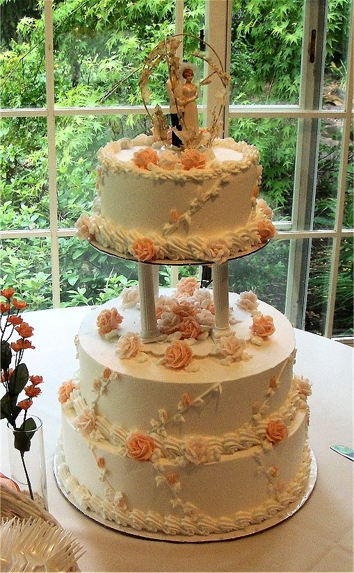 Square Column Cakes With Real Flowers Cakes Wedding Cakes And All Occasion Cakes Classy Wedding Cakes Classic Wedding Cake Wedding Cake Frosting Recipe