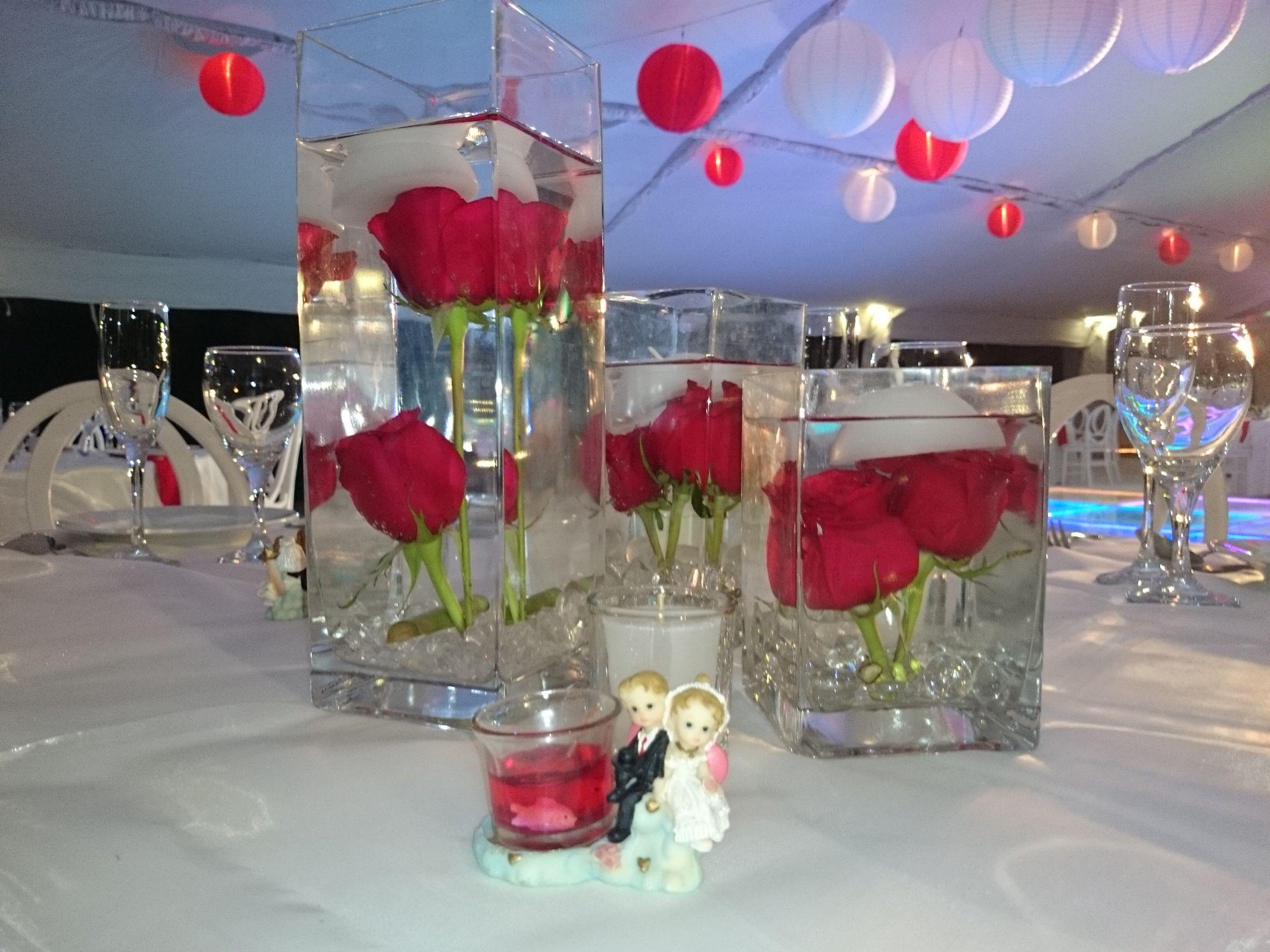 Centro de mesa color rojo rosas boda playa canc n for Decoracion en cancun