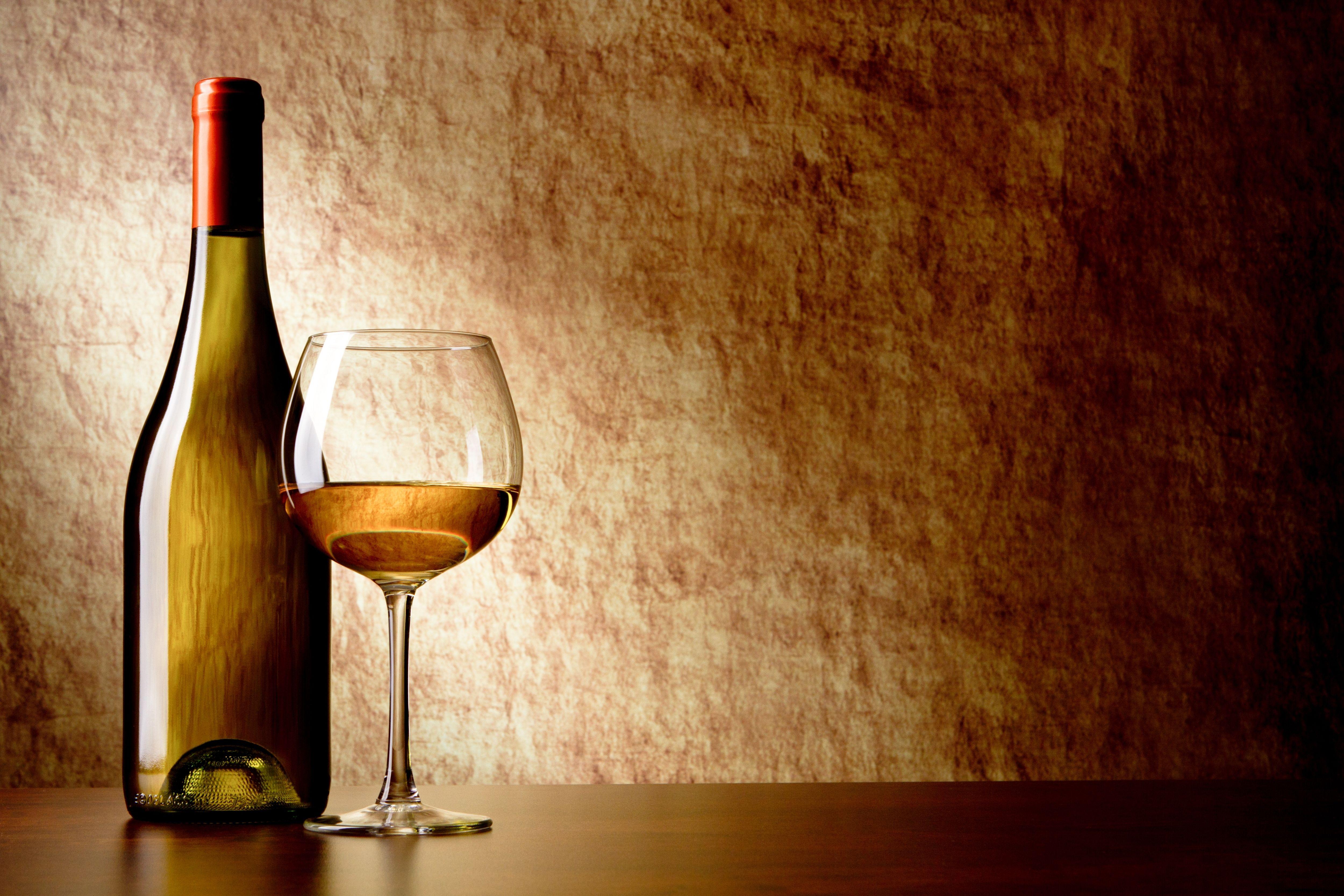 Check Out This Behance Project Bar Restaurant Wine Shop Find App Design Https Www Behance Net Gallery 36303791 Barresta Wine Wallpaper Wine White Wine