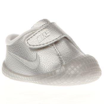 e62bf3b40c746 Nike Silver Waffle 1 Premium Crib Girls Baby Teeny tiny shoes for teeny  tiny feet arrive