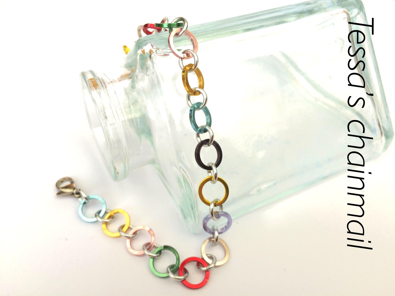 kleurige sieraden
