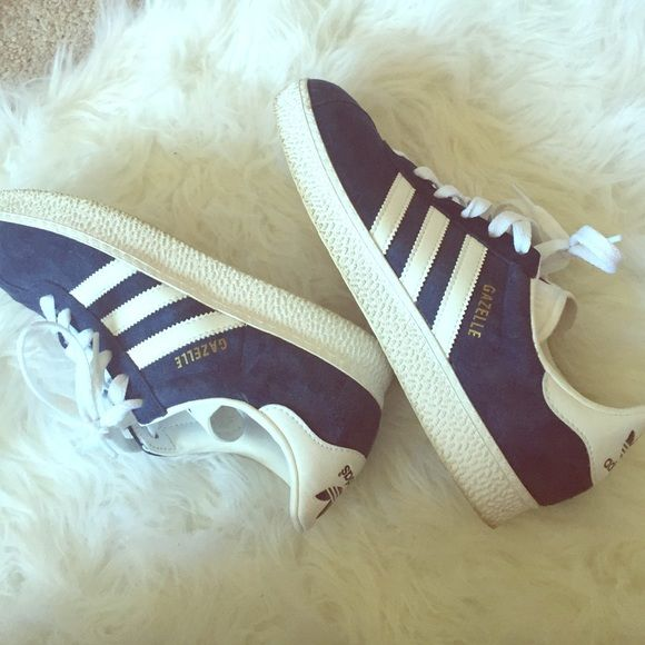 adidas superstar women in rose gold adidas gazelle black images background