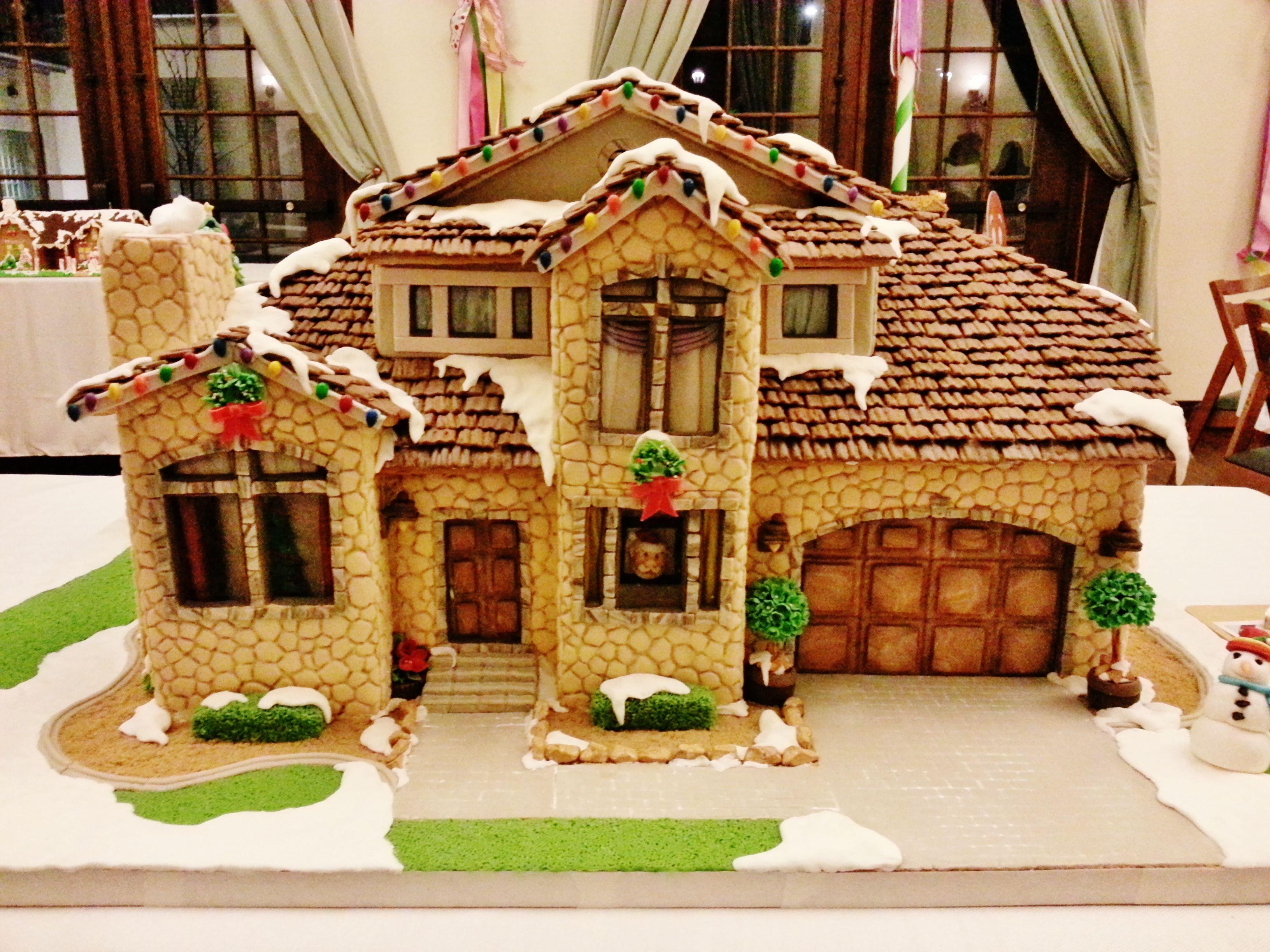 Unique Gingerbread House Designs 11