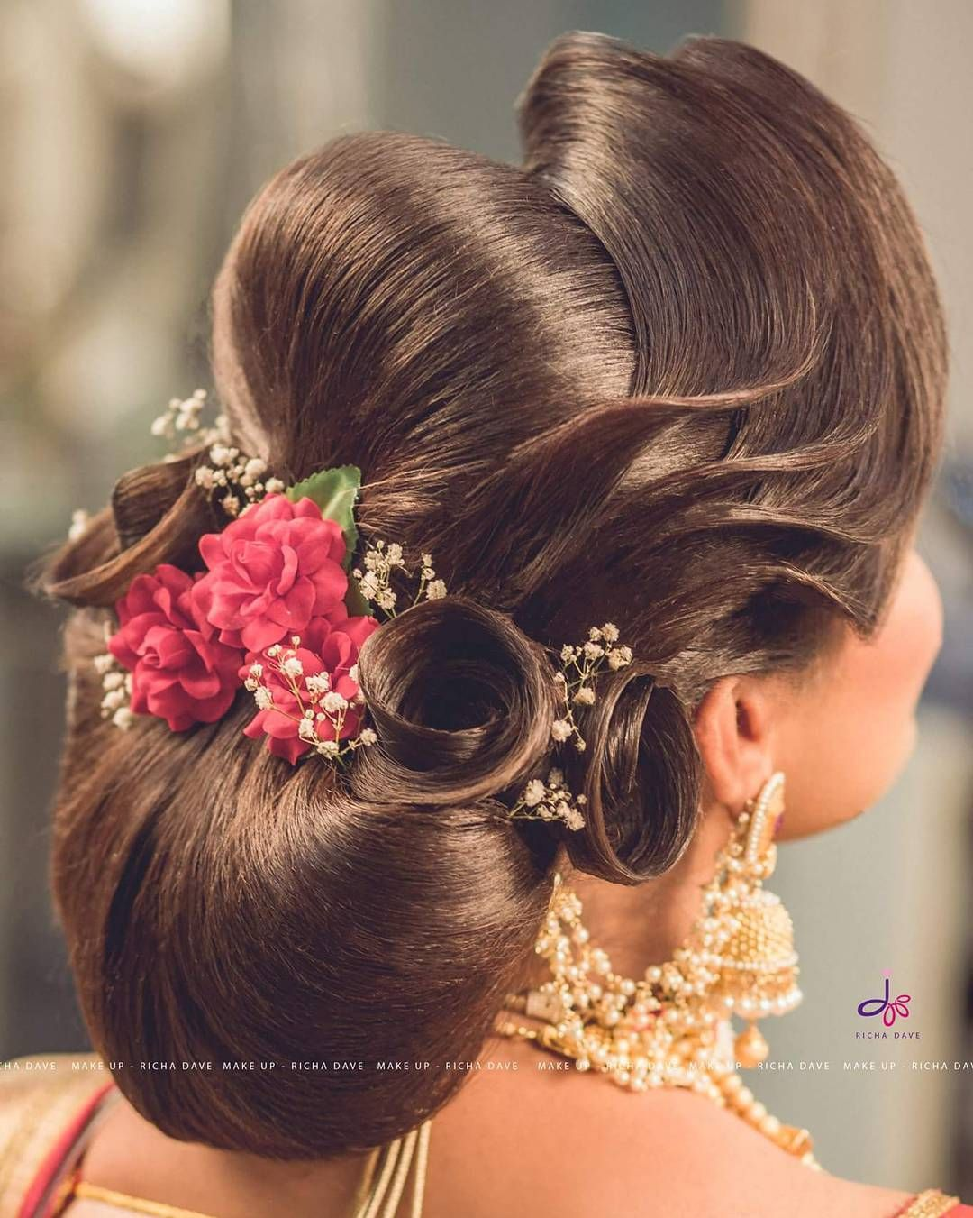 Bridal Hairstyle Https Www Wishnwed Com Blog Bridal Hairstyles For The Modern Indian Bride Hair Styles Indian Bridal Hairstyles Bridal Hairdo