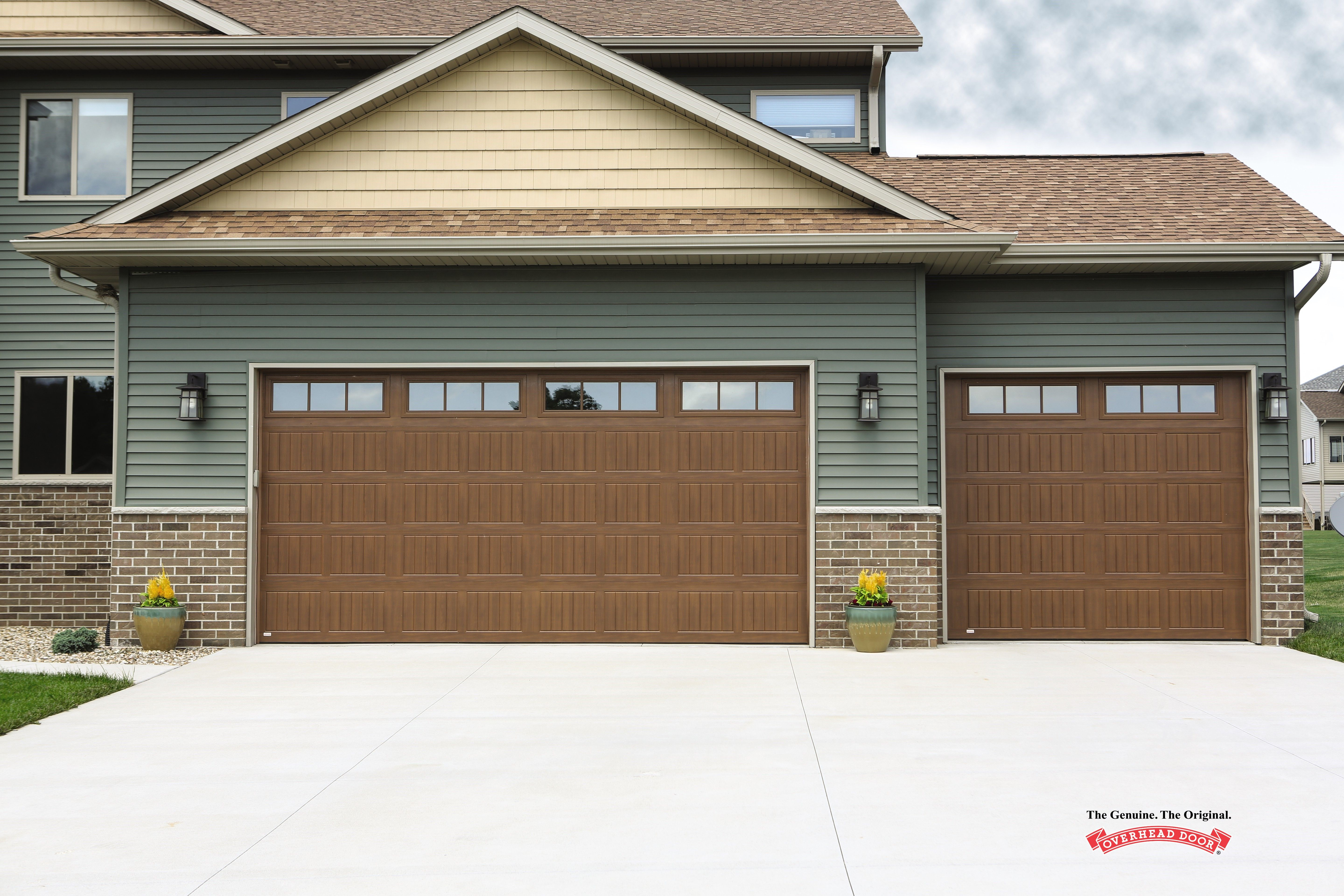 Find The Exact Insulation You Need From One Of Our Local Professionals R Value Of 12 76 For Model 5740 To Keep The Heat In During Those Tough Winte Garage Doors