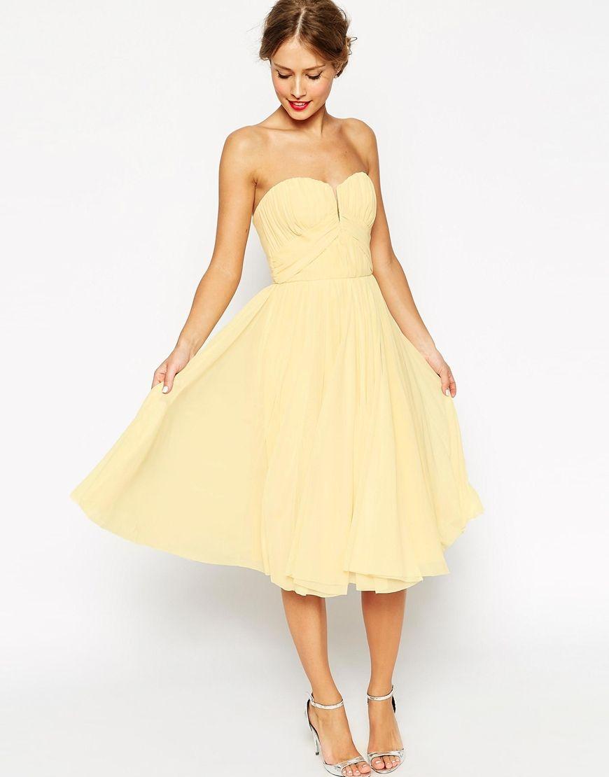 Couleurs pastels , Robe jaune