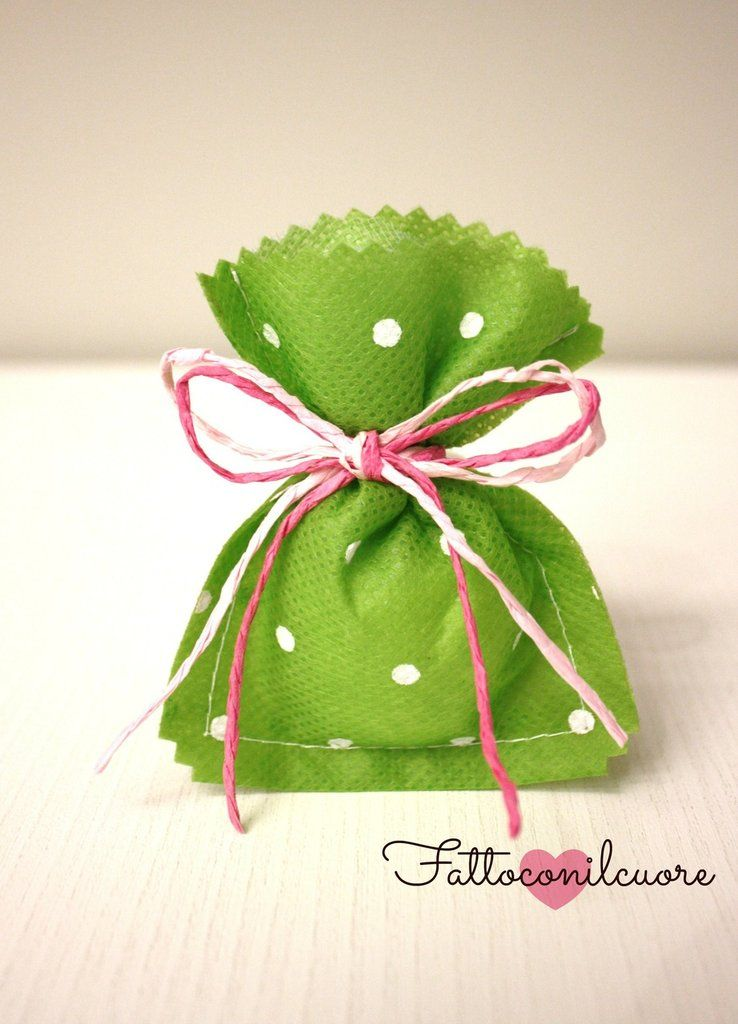 sacchetto bomboniera verde a pois, by fattoconilcuore, 1,20 € su #misshobby.com