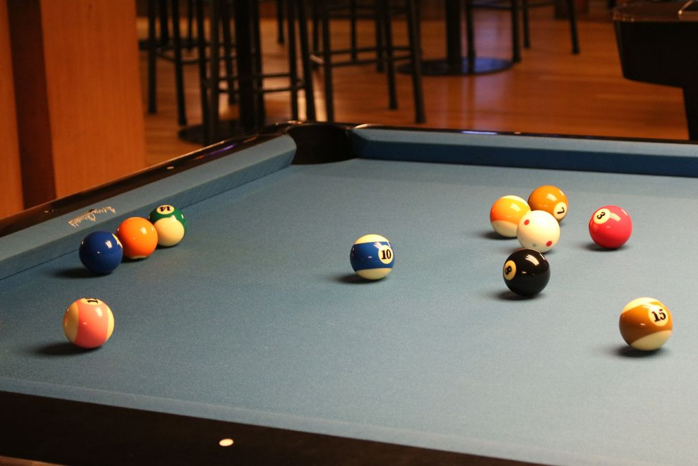 How to clean a felt pool table top? Amini's Pool table