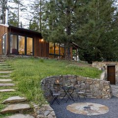 contemporary landscape by Cathy Schwabe Architecture ...