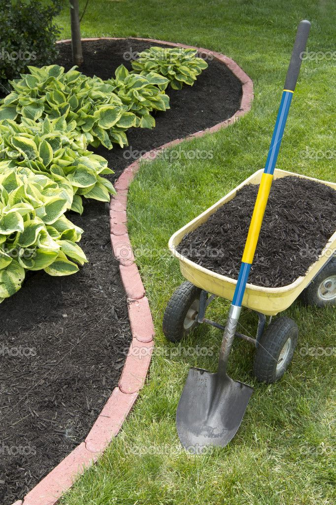 Basic Guide To Applying Mulch To Garden Beds   Most Beautiful Gardens