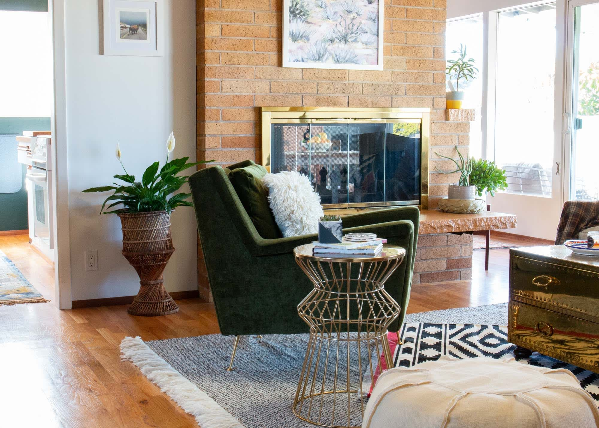A Seattle Home's Dining Room Has a Great Green Accent Wall