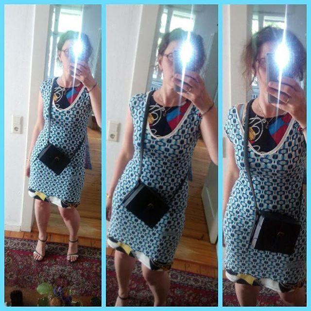 Tagesdress Kleid Von Elbfeeberlin Kleid Darunter Von Ralph Lauren Umhangetasche Und Heels Vintage Today S Outfit Dress By Outfit Streetstyles Ralph Lauren