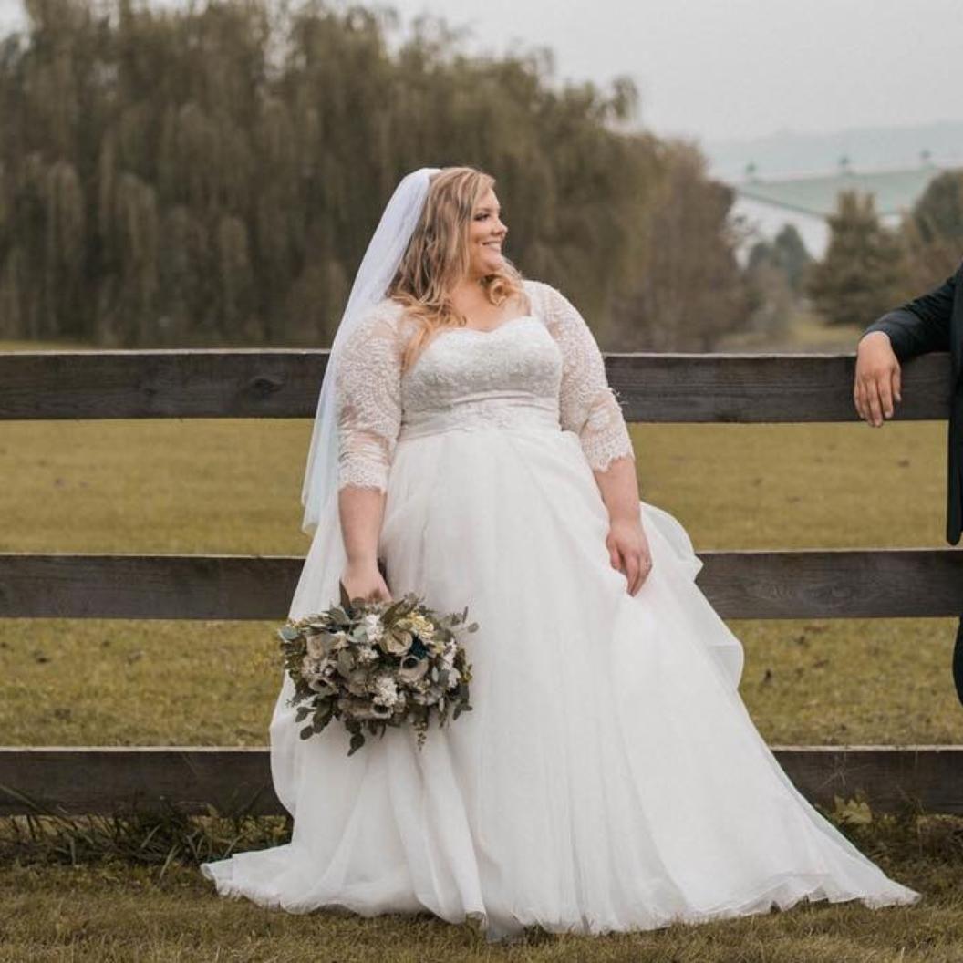 Oleg Cassini Plus Size Organza 3 4 Wedding Dress David S Bridal Davids Bridal Wedding Dresses Pretty Wedding Dresses Wedding Dresses [ 1056 x 1056 Pixel ]